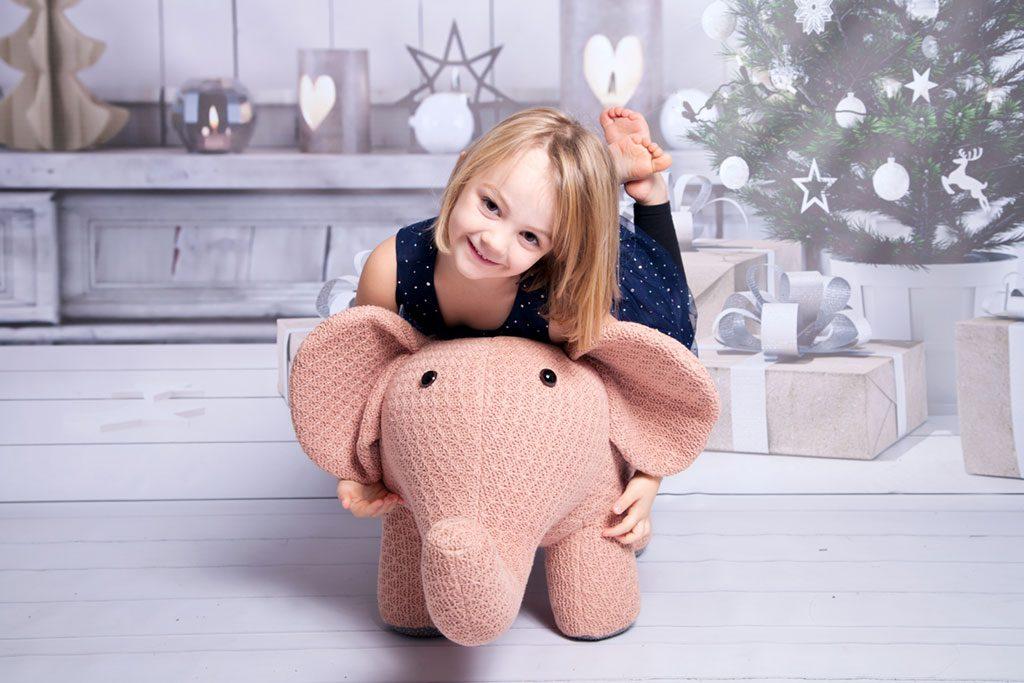 Carina-Rosen-Fotografie-Lohmar-Köln-Leverkusen-Elefant-Kinderfotografie