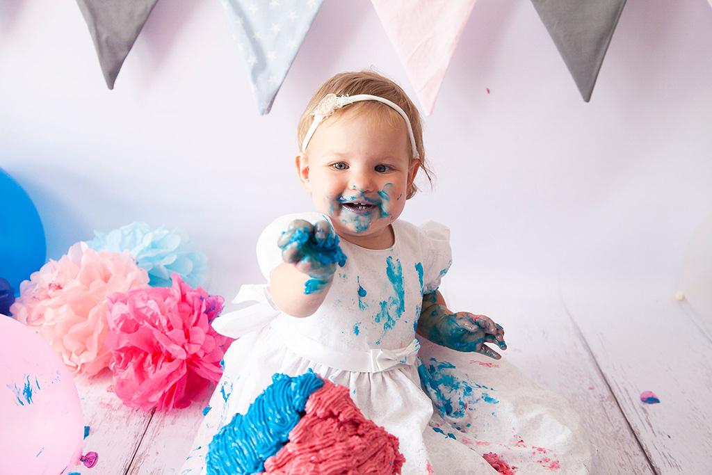 Carina-Rosen-Fotografin-Lohmar-Babybauch-Babybauchfotografie-Kinderfotografie-Kinder-BabyfotografinKoeln-Köln-CakeSmash-Zwillinge-3