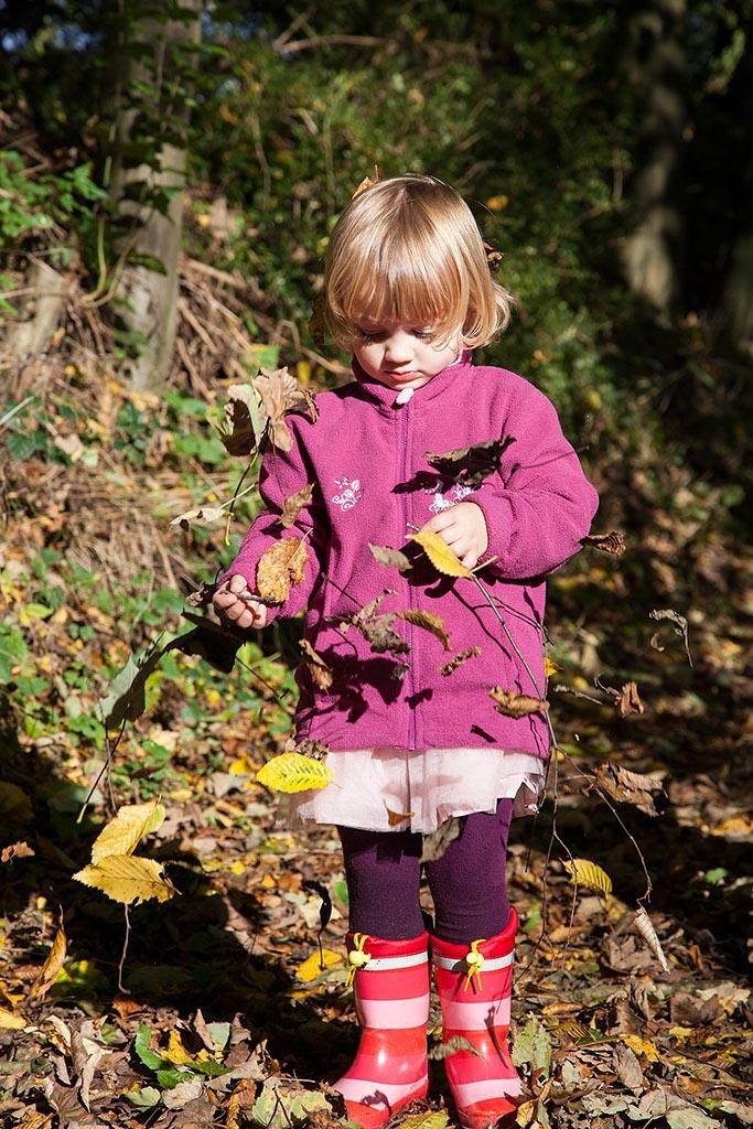 Carina Rosen Fotografin Lohmar Kinderfotografie Kinder BabyfotografinKoeln Köln Herbst Laub