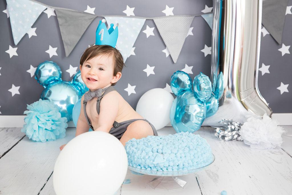 Carina-Rosen-Fotografin-Lohmar-Babybauch-Babybauchfotografie-Kinderfotografie-Kinder-CakeSmash-BabyfotografinKoeln-Köln-CakeSmash-1.Geburtstag