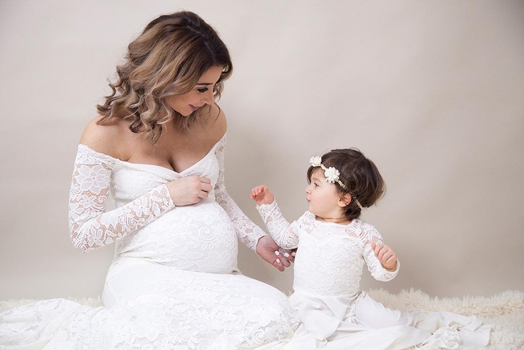 Carina-Rosen-Fotografin-Lohmar-Babybauch-Schwangerschaft-Babybauchfotografie-Schwangerschaftsfotografie-Mommy&Me-Mama-und-ich