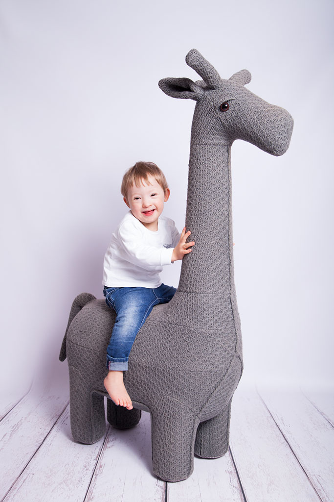 Carina-Rosen-Fotografin-Lohmar-Kinderfotografie-Kinder-BabyfotografinKoeln-Köln-Giraffe