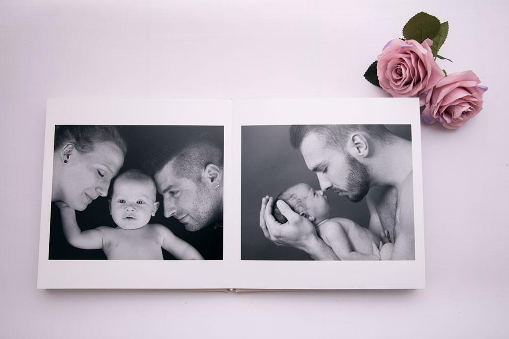 offenes Fotobuch mit euren Lieblingsshooting aus eurem Shooting bei Carina Rosen Lohmar